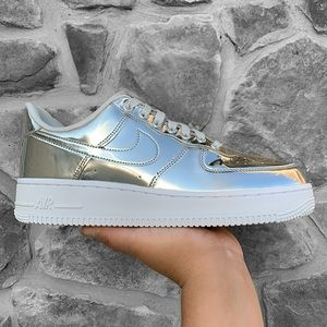 Nike Women's Air Force 1 SP Metallic